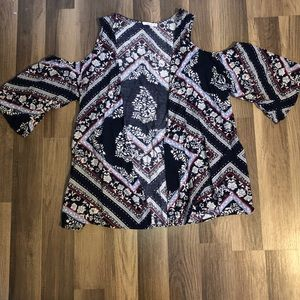 Cold shoulder kimono
